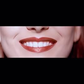 Ecstasy Shine Lip Cream全新凝亮修護唇膏